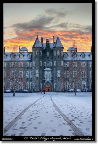 ireland winter sunset orange snow building dusk path 1001nights maynooth hdr kildare localhistory historicbuilding photomatix tonemapped tthdr spcm flickraward flickrdiamond thebestofday gününeniyisi
