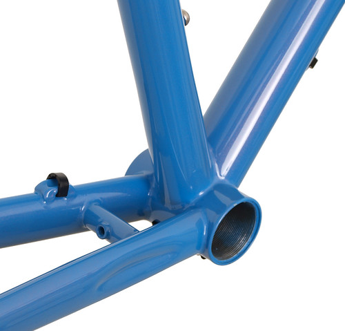 """<p>Gunnar Fastlane bottom bracket detail.  Note the zip-tie guides and fender mount.<br /> <br /> gunnarcycles<br /> gunnarbikes <br /> <a href=""""http://gunnarbikes.com"""" rel=""""nofollow"""">gunnarbikes.com</a></p>"""