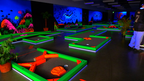 Glow Golf indoor mini golf in Kingston MA