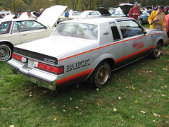 executive car(0.0), ford fairmont(0.0), automobile(1.0), vehicle(1.0), buick regal(1.0), compact car(1.0), sedan(1.0), land vehicle(1.0), luxury vehicle(1.0),
