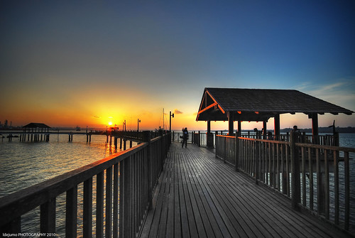 changi boardwalk in HDR