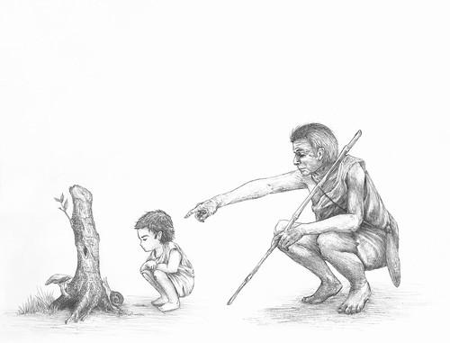 Ilustración: un niño asombrado mira un caracol subiendo un tronco mientras su padre, detrás, le explica con calma.