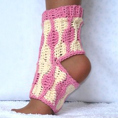Wave Yoga Socks Crochet Pattern Kids and Adults