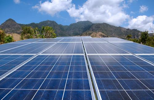 16歲少女發明太陽能淨水方式。(圖片來源:Jeda Villa Bali)