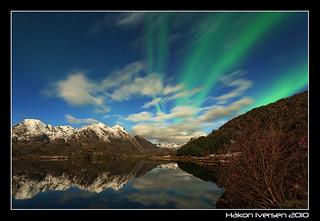 Reflections under Aurora