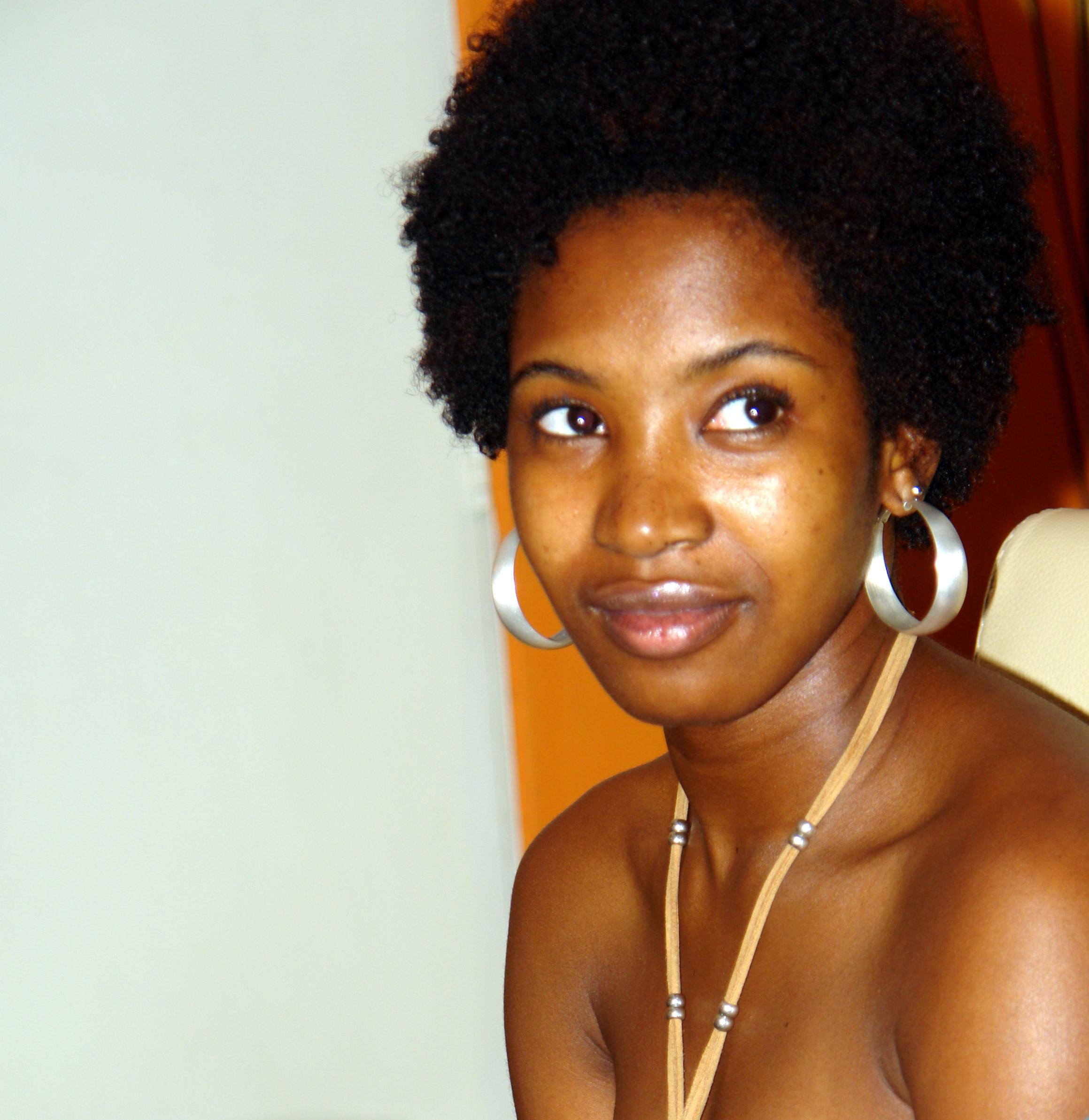 Beautiful and Handsome Bantu People Photos Here! - Romance