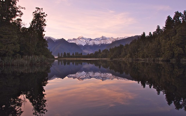 Sunrise @ Lake Matheson