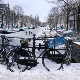 Ice skating in the Jordaan