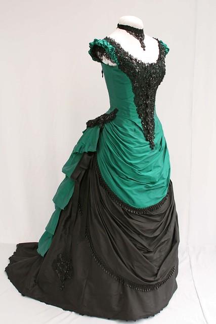 4283842449 bf8cb96316 z jpgVictorian Bustle Gowns