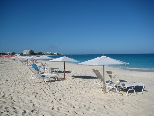 Villa del Mar Grace Bay beach service Turks & Caicos
