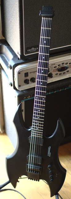 Photo:Steinberger Synapse TranScale Demon SD-2FPA By thraxil