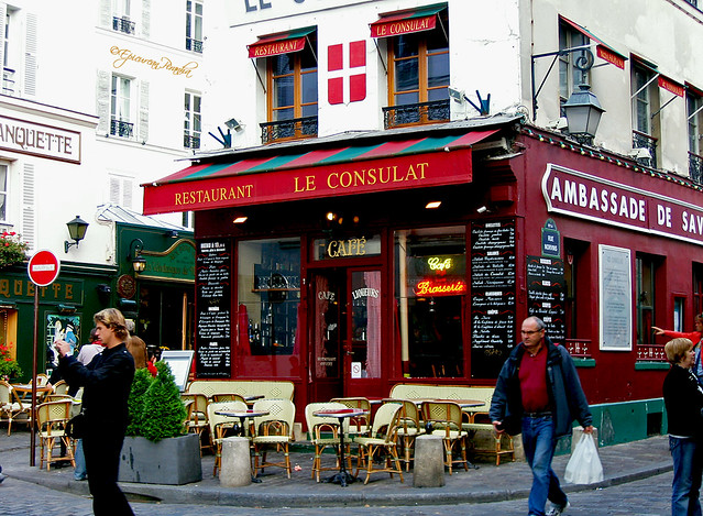 A typical bistrot on the butte monmartre flickr photo for Le miroir restaurant montmartre