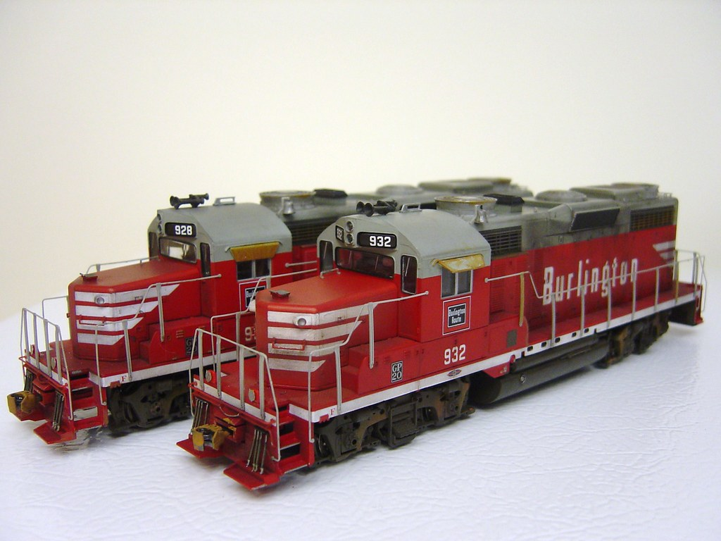 GP20 BURLINGTON #928 & 932