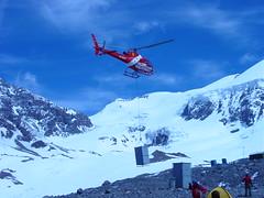 Helicóptero rescate y abastecimiento