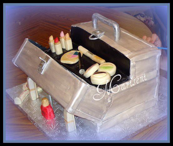 Make-up Train Case 30th Birthday Cake  Sephora Train Case I ...