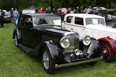 rolls-royce silver ghost(0.0), touring car(0.0), automobile(1.0), rolls-royce phantom iii(1.0), vehicle(1.0), antique car(1.0), vintage car(1.0), land vehicle(1.0), luxury vehicle(1.0), motor vehicle(1.0),