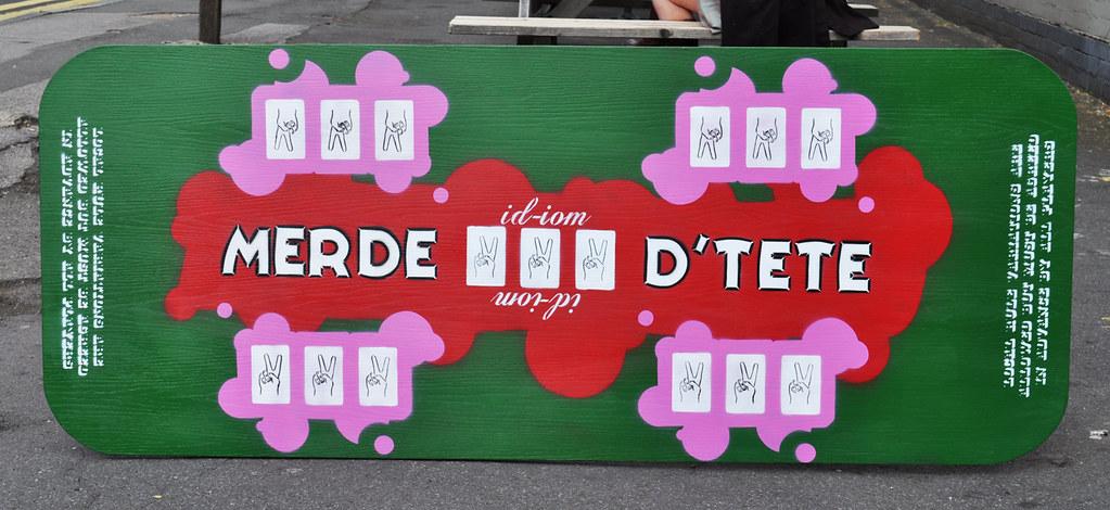 Merde D'Tete games table
