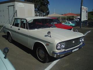 Toyota Crown Deluxe 2000