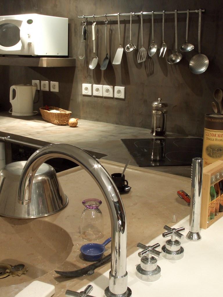 Béton Ciré Plan De Travail Cuisine plan de travail et mur cuisine enduit ciment | easycem deco