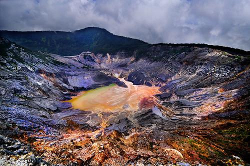 indonesia volcano crater bandung tangkubanperahu d90 westjawa