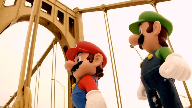 Mario and Luigi on bridge