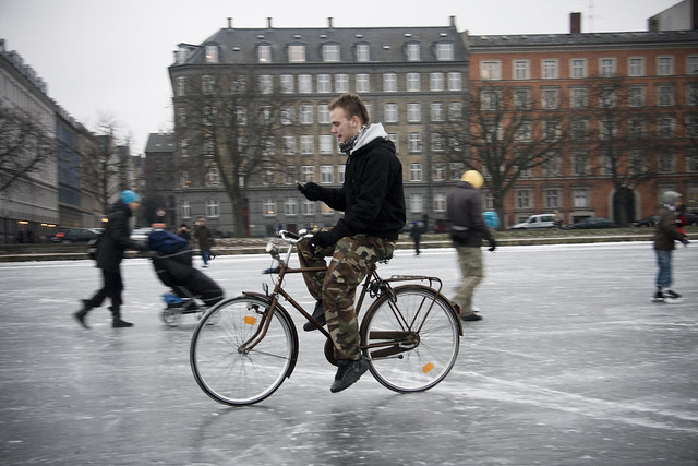 Bicycle Ice and Texting - Cycling in Winter in Copenhagen
