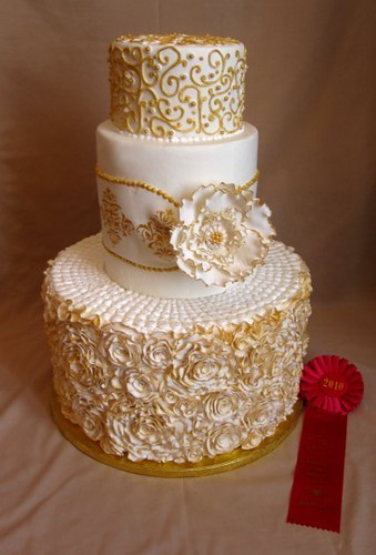 white n gold wedding cake cakes5 a gallery on flickr 27300