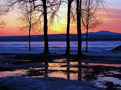 sunset reflection nature clouds canon reflet nuages crepuscule estrie colorphotoaward platinumheartaward platinumheartawards quynhvu platinumhearthalloffame soleicouchant laraqueen