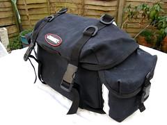 messenger bag(0.0), leather(0.0), bag(1.0),