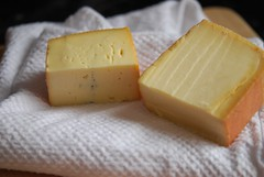 butter(0.0), produce(0.0), gruyã¨re cheese(1.0), pecorino romano(1.0), food(1.0), dairy product(1.0), parmigiano-reggiano(1.0), cheese(1.0), cheddar cheese(1.0),