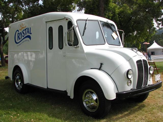 1965 Divco Crystal Milk Truck 1