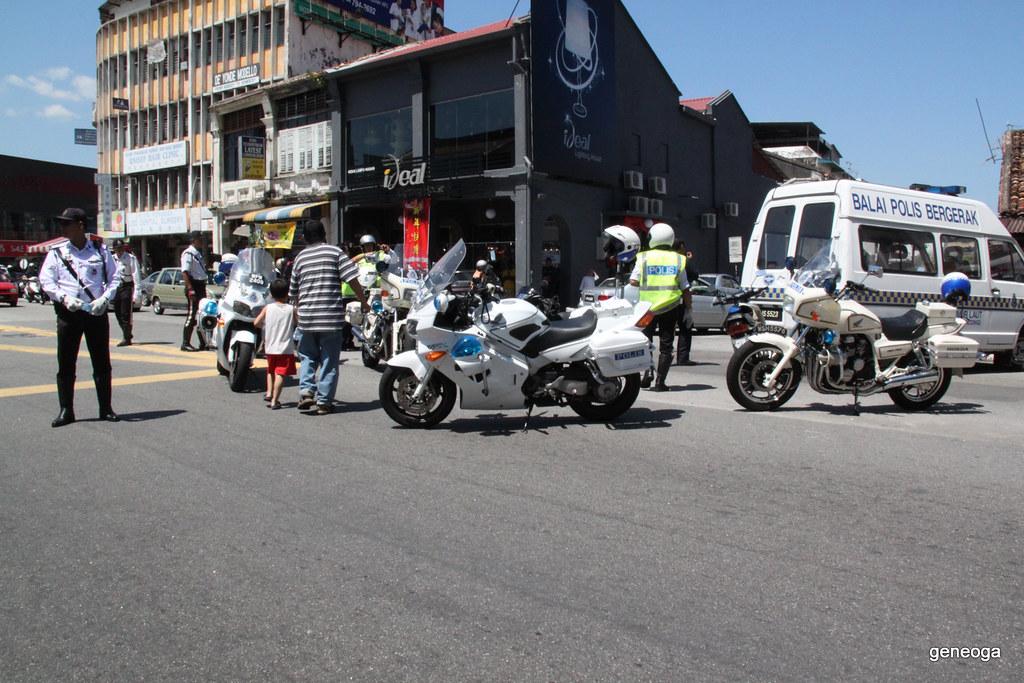 Traffic police doing a good job