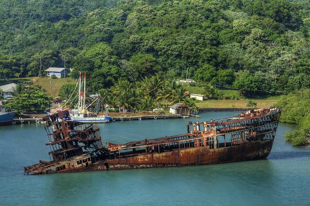 Ship Wreck HDR - Roatan, Honduras