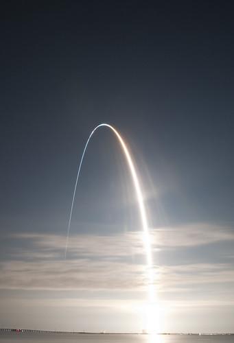 longexposure night vab nasa kennedyspacecenter spaceshuttle iss endeavour lc39 titusvillefl pad39a nikond90 node3 nikon18105 sts130