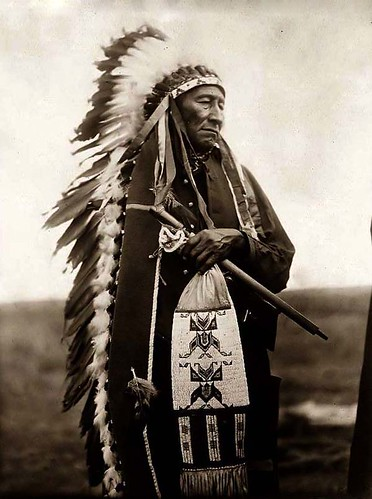 Edward S Curtis_1905_Dakota-Sioux-Man_Stinking Bear