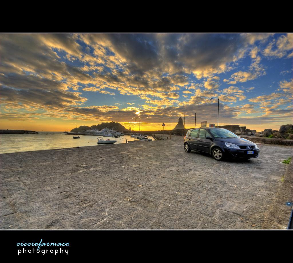 Acitrezza - Renault Scenic sunrise :: HDR