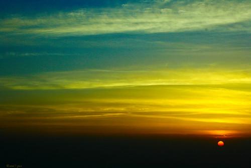 blue orange india colors sunrise canon eos darjeeling lanscape partialsun 400d flickrestrellas