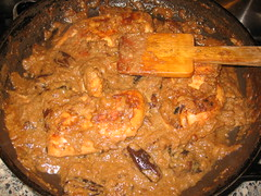 produce(0.0), gravy(1.0), stew(1.0), curry(1.0), meat(1.0), food(1.0), korma(1.0), dish(1.0), cuisine(1.0),