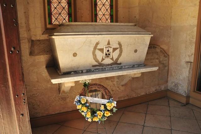 Burial Tomb Of Davy Crockett William B Travis And Jim