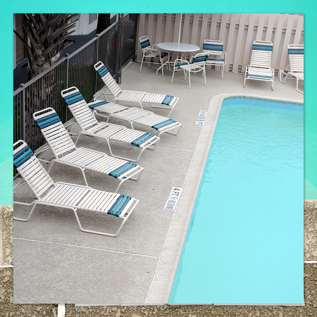 pool chaise lounges on Motel Swimming Pool Water Chaise Lounge Chairs San Antonio 28324