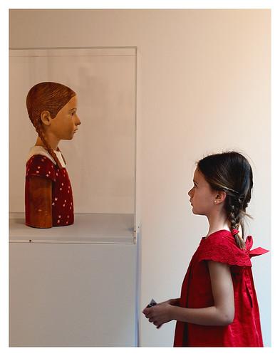 spain niña museo navarra oteiza