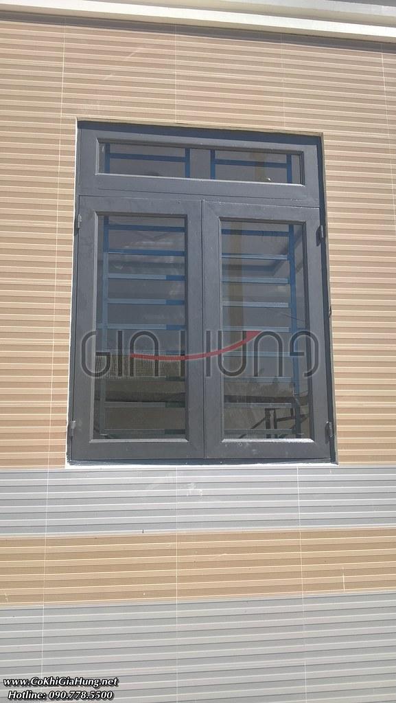 Mẫu cửa sổ sắt hộp mạ kẽm CK1203 + kính trắng 5ly giá Tốt tại TpHCM