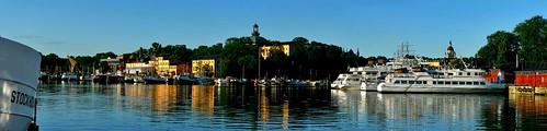 morning panorama reflection water colors sunrise canon boats island boat sweden stockholm pano shore 2009 skeppsholmen woda poranek sztokholm szwecja odbicie wschód titter wyspa łodzie 400d titter85 c1785isusm