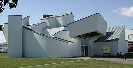 Architect day frank gehry for Vitra museum basel