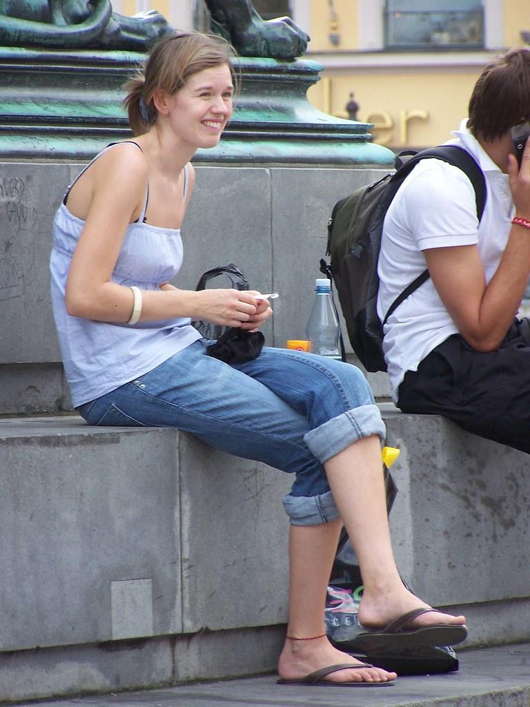 girl Candid feet teen