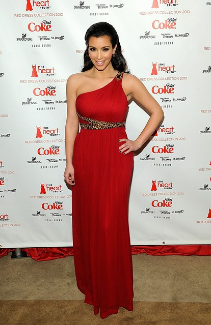 http://www.kimkardashian24h.com