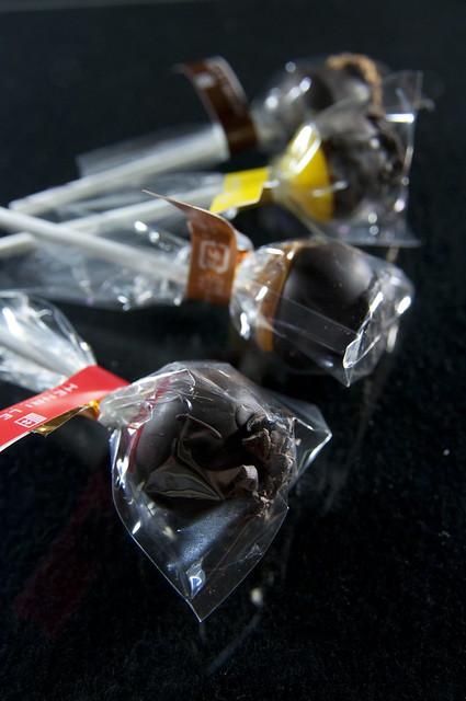 Photo:Caramel Lollipop Chocolat, Henri Le Roux, Salon du Chocolat Tokyo 2010, Shinjuku Isetan By yuichi.sakuraba