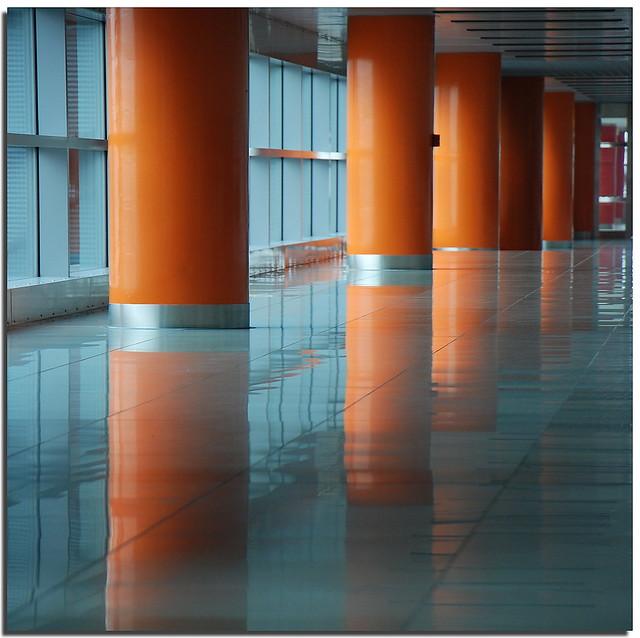 Liquid floor