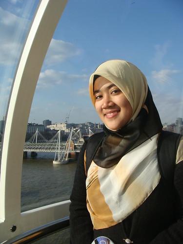 Mahufuzah Zainol, Cardiff University student, Wales Regional Winner of Shine awards 2010