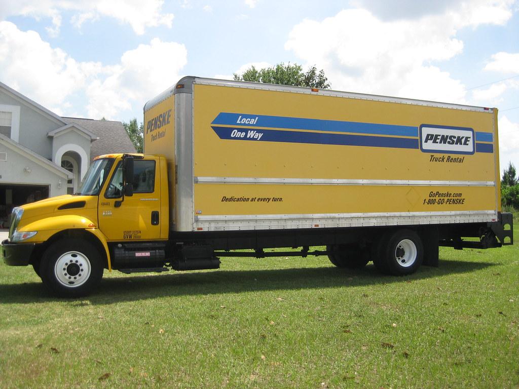 Penske truck rental flint mi